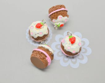 4 cream chocolate cake charms