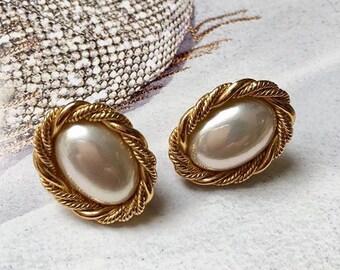 VINTAGE SPHINX - oval bead pierced earrings