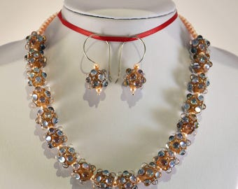Raised clear dot necklace.