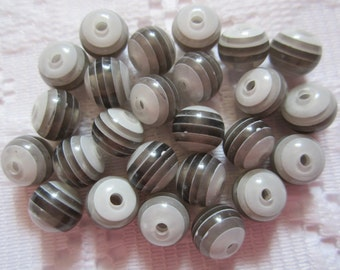 25  Shades of Grey & Black Transparent Striped Round Resin Acrylic Beads  8mm