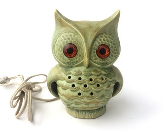 Retro Green Ceramic Owl Night Light with Glowing Eyes // Made by Baldings