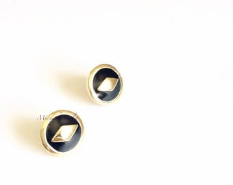 Diamond Black & Gold 24k Gold Plated Stud Earrings. Diamond Shaped Detail . Will Arrive in Gift Box, Branded Tag, and a nice Ribbon.