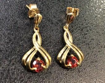 9ct gold garnet drop earrings