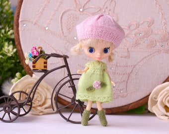 Petite Blythe summer dress Miniature knitting to Petite Blythe Mini Blythe  clothes Lime dress Pink beret green socks Blythe Outfit