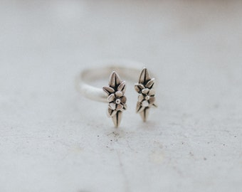 Twin Wildflowers Ring