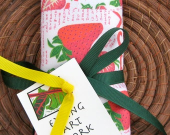 SIMPLE STRAWBERRIES Kitchen Towel, Brightly colored, Cotton/Linen