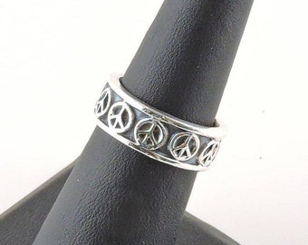 Size 6 Sterling Silver Peace Sign Band Ring