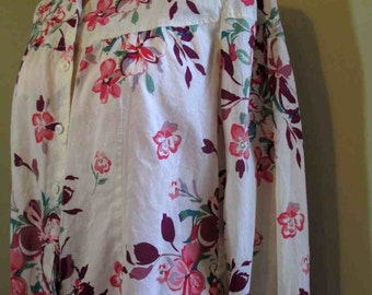 Romantic 70s Dogwood print Blouse Pink print blouse Vintage cotton Print Blouse 70s floral print blouse Cream cotton shirt M