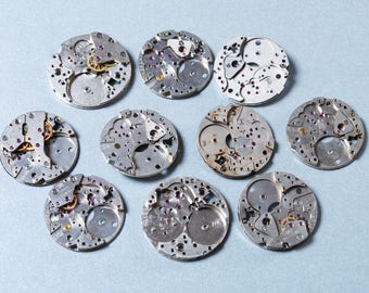Lot of 10 Vintage watch movement, watch parts. (n3)