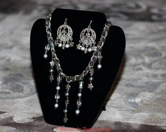 Necklace and earrings, silver finish