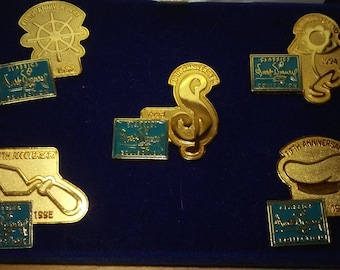 Walt Disney Classics Movie Pin Collection 1996 5 pin set