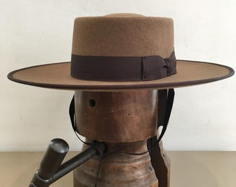 Portuguese style riding hat