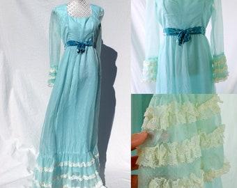 Vintage 1960s Pastel Mint Swissdot Tiered Lace dress/ prairie dress/ 60s dress/ pastel dress/ frills / lace dress/ scoop neck/ velvet