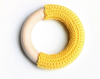 Natural baby.. SUNNY YELLOW crochet teething ring.