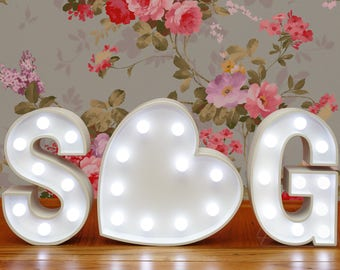"""Light Up Initials & Heart Marquee Letters 3 x 23cm 9"""" Wedding Anniversary Gift Illuminated Decorative White Wooden Marquee Letters LED Light"""