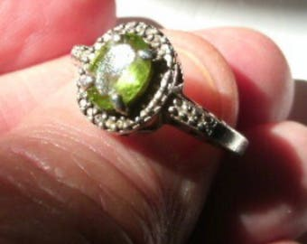 Vintage Sterling Silver Peridot Ring. Size 6.