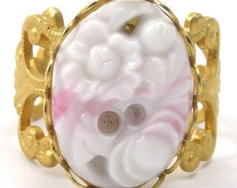 FREE SHIPPING White and Pink Swirls Glass Stone Ring