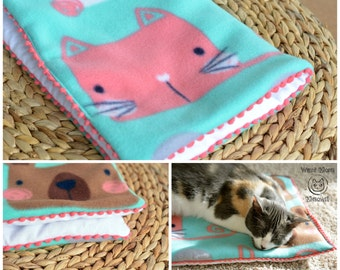 Cat bedding, Padded blanket, Fleece cat blanket throw, Crate cover, Cat mat, Comfy catnip cushion, Mint soft crate pad, Kawaii cat blanket