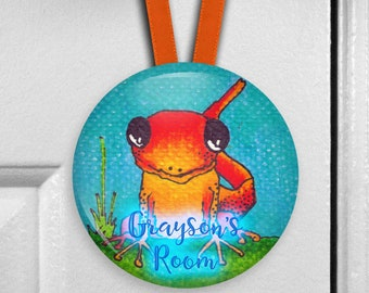 Personalized orange lizard decor door hanger name sign - bedroom name plate for kids room - name plaque door knob hanger - HAN-PERS-37
