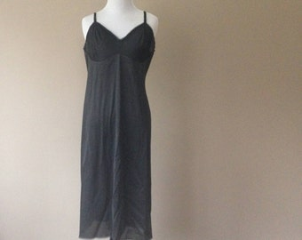 38 / Vintage Vanity Fair Full Slip / Dress / Black Nylon with Lace / FREE USA Shipping