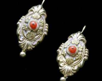 Antique Victorian Earrings 14k Gold Coral Repousse Foliage Scrolls (#6548)