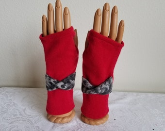 Twistband Fingerless Gloves in Scarlet Cashmere with Animal Print Detail