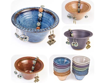 Earring bowl in your choice of 9 colors / earring holder | earring tree | jewelry organizer | gift for women / >MADE TO ORDER< allow 4 weeks