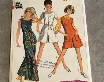 60s Jumpsuit Sewing Pattern / Vintage 1960s Retro Easy Misses Romper w/Zipper Front or Back  / Size 12, Bust 32 / Simplicity 7000
