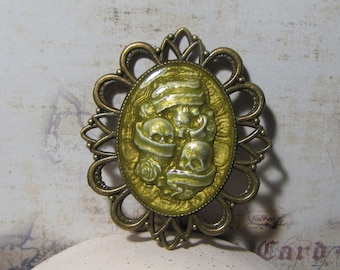 Pendant Gothic skulls, Locket on bronze decor hologram effect resin metal frame