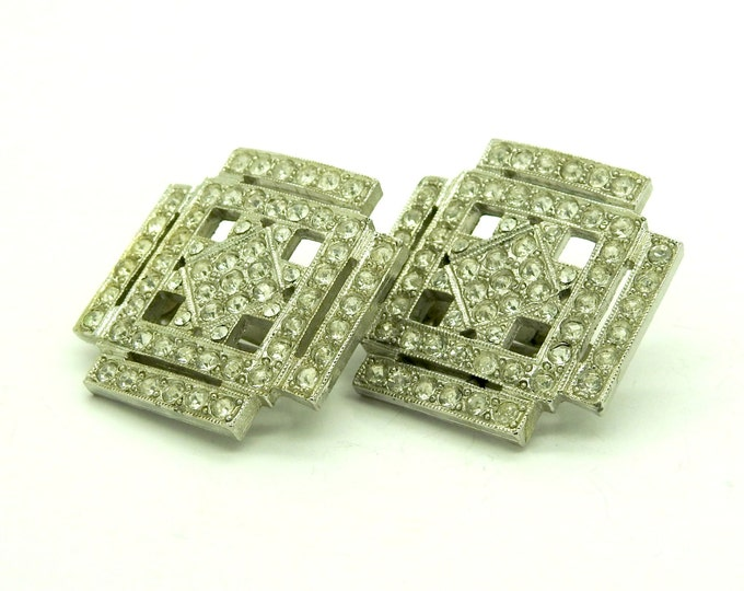 LARGE SQUARE clip-ons EARRINGS, geometric and retro.
