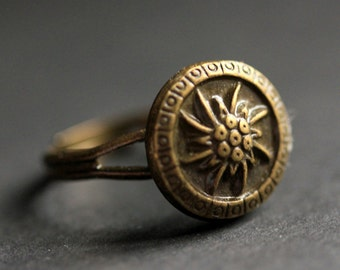 Bronze Flower Ring. Flower Button Ring. Bronze Button Ring. Flower Ring. Adjustable Ring. Bronze Ring. Handmade Ring. Flower Jewelry.