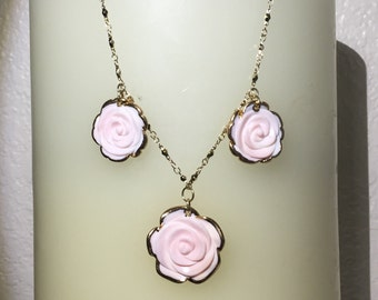 Pretty Peachy-Pink Carved Coral Roses Necklace---
