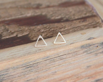 Gold open triangle earrings, Small Triangle Earrings , Gold Triangle, Minimalist Gold Jewelry, Bridesmaid Gift,Gold Earrings, Modern Jewelry