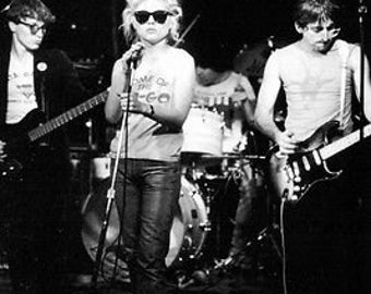 Rare B&W Photo Of Blondie Debbie Harry C.1978 Poster A3 Reprint