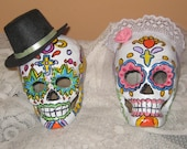 Day of the Dead/Sugar Skull Paper Mache Cake Topper /Bride and Groom Skulls/ Day of the Dead Wedding/Halloween Wedding