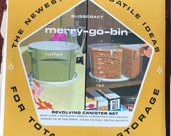 """Vintage """"Marry-Go-Bin"""" Plastic Food Containers"""
