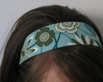 Light Blue  Stay In Place Headband w/ Retro Green Flowers