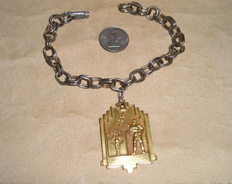 Vintage Bracelet With Solid Gold Tone Apollo God Charm 1940's Jewelry 6046