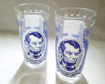 Presidential Collectable Abraham Lincoln Glasses Set of Two Water Drinking Tumblers Gettysburg Address Vintage Commemorative Mid Century Bar