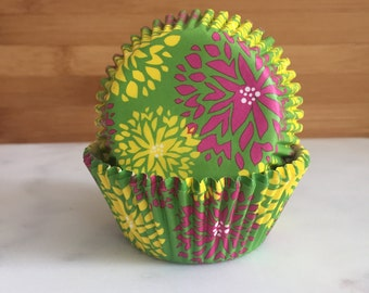 Green with Flowers Cupcake Liners, Standard Sized, Baking Cups (50)
