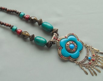 Vintage Wood & Acrylic Bead Tribal/Etruscan Style Multi-Color Tribal Style Pendant Necklace