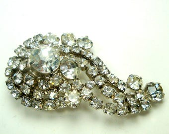 White Rhinestone Pin,  Sparkling Glass Stones on Silvertone Metal, 1960s, Fancy Sparkling Brooch