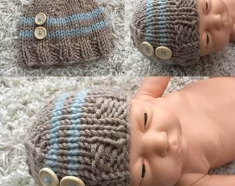 Newborn size knit beanie hat with wood buttons,photo prop,gift idea,coming home