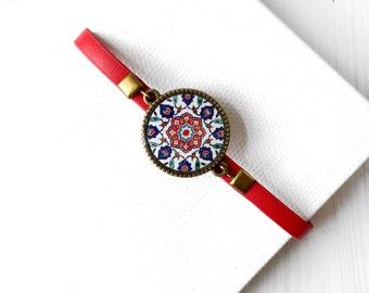 SARA wristband