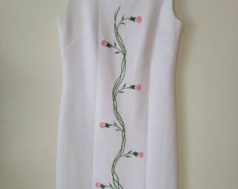1970's Designer Muriel Ryan signed Serbin of Florida White and Pink Rose Dress