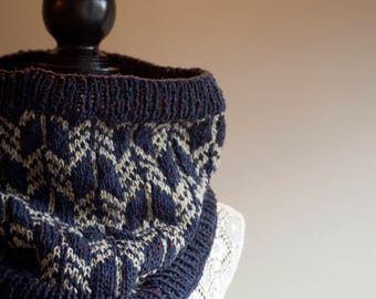 KNITTING PATTERN for Arrow Cowl