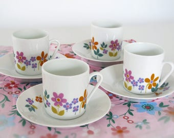 Set of 4 Pretty french vintage  fine Porcelain cafe au lait cup, 1970 kitchen  , country flowers , scandinavian style, 70s retro flowers,