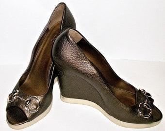 Gucci Charlotte Brown Bronze Horsebit High Heel Peep Toe Wedge Pumps size 38 / 8