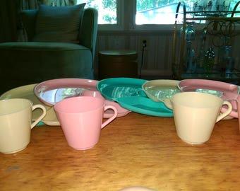 Regaline Plastic Picnic Set with divided plates