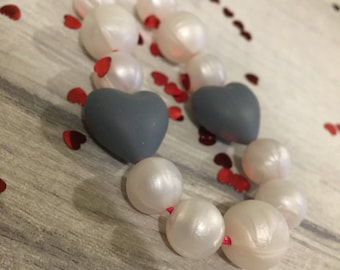 Queen of Hearts Valentines Grey Teething Necklace / Nursing Necklace, Fully Adjustable, BPA FREE